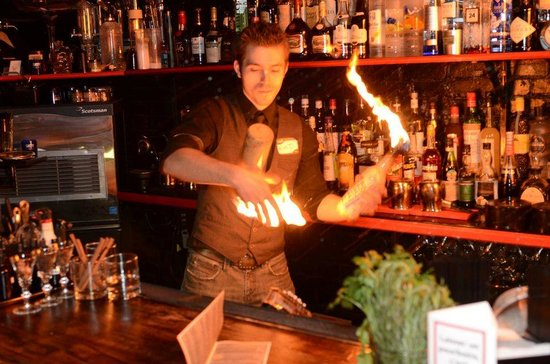 Student Nightlife Montreal | St Cathys Blog